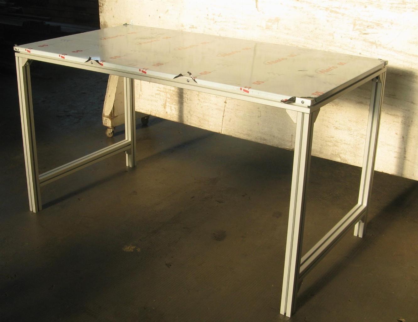 Tavolo Di Lavoro English : Tavolo da lavoro in alluminio con profili bosch industrial cloud