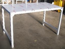 Banco Da Lavoro Per Alluminio : Tavolo da lavoro in alluminio con profili bosch industrial cloud